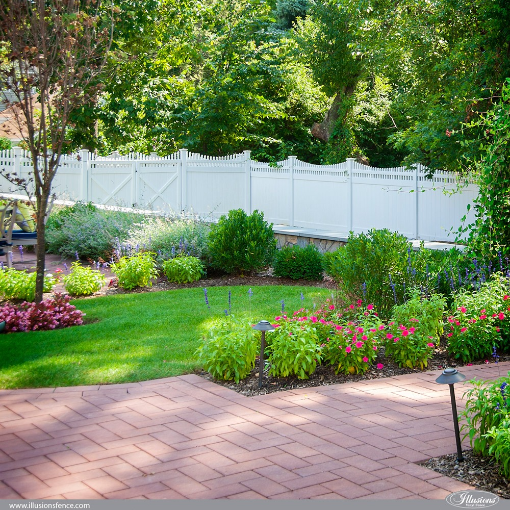 Scalloped PVC VInyl Privacy Fence by Illusions Fence